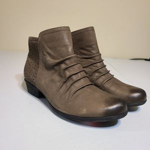 Rockport tan ankle boots sz 6.5 [N1E]